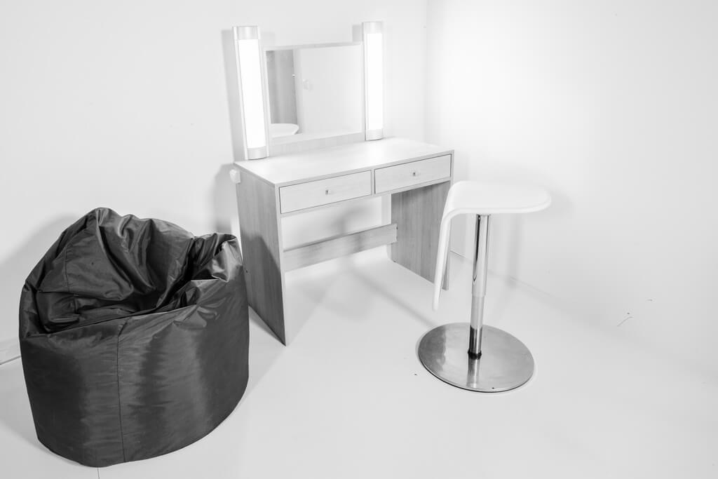 studio fotograficzne - stanowisko MUA